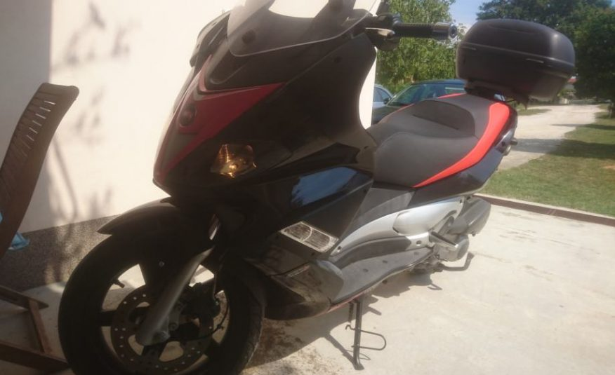 Aprilia Sr 300 max 278 cm3
