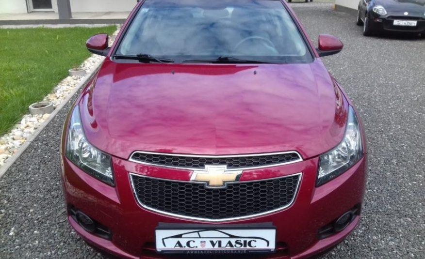 Chevrolet Cruze 1,6 L- NIJE UVOZ, ODLIČAN, SAMO 98000 km!