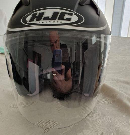 HJC kaciga , nova, kupljena za 980 kn  sada cijena 600 kn