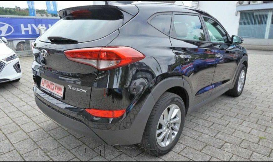 Hyundai Tucson 1.7 CRDI 97TKM,SERV.,PRVI VL.,NAVI.,KAM.,ALU.,PDC,INTRO