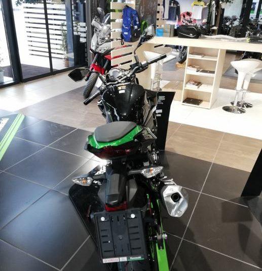 Kawasaki Z 400 399 cm3