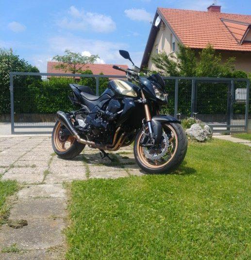 Kawasaki Z750R  749 cm3 Z750