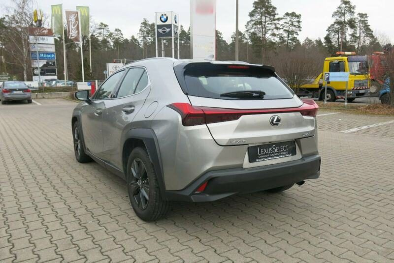 Lexus UX 200 Launch Edition automatik