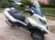 Piaggio MP3 300 Hybrid, električni i benzinski motor s rikvercom