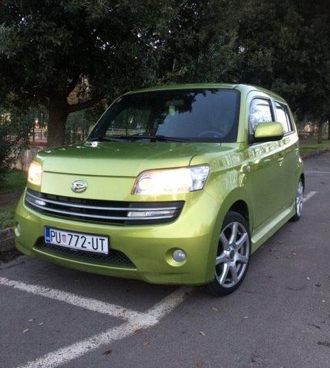 Prodajem Daihatsu Materia 1.6 ili mijenjam za karavan