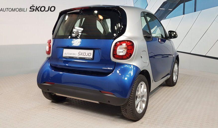 Smart fortwo coupe 52 kW automatik – DOSTAVA MOGUĆA