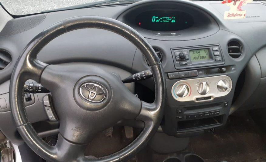 Toyota Yaris 1,4 D-4D Cool Sol- NIJE UVOZ, ODLIČAN AUTO!