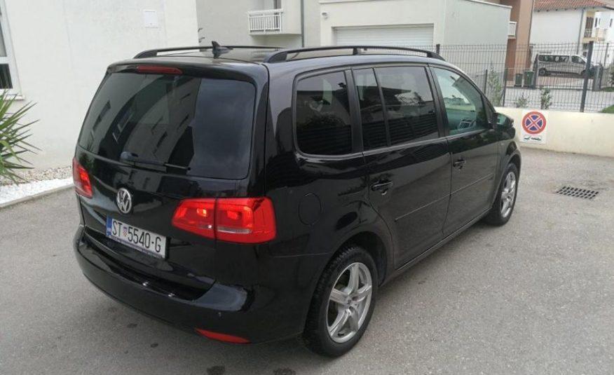 VW Touran 2,0 TDI, DSG MJENJAČ, MATCH, NAVI, BI-XENON, NAVIGACIJA