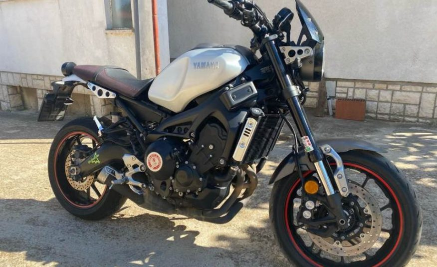Yamaha XSR 900  849 cm3